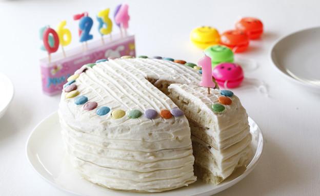 עוגת פנקייק וניל ליום הולדת (יח``צ: אפיק גבאי, אוכל טוב)