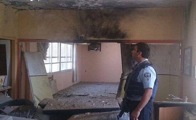 פגיעת רקטה במבנה באשכול (צילום: דוברות משטרת ישראל)