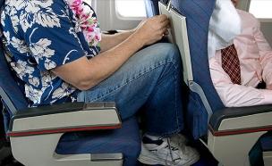 מקום לרגליים במטוס (צילום: אימג'בנק / Thinkstock)