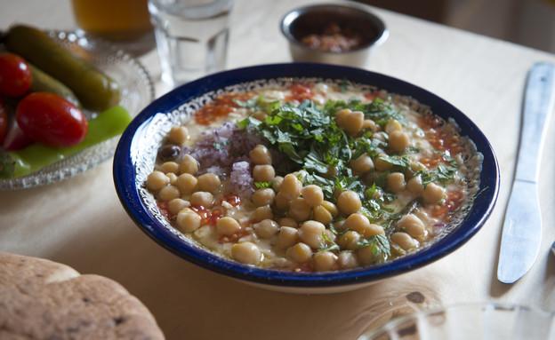 חאן מנולי פליקס רוזנטל חומוס (צילום: נמרוד סונדרס, אוכל טוב)