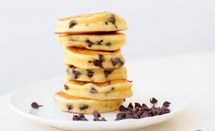 מיני פנקייקס עם שוקולד צ'יפס (צילום: שרית נובק - מיס פטל, אוכל טוב)