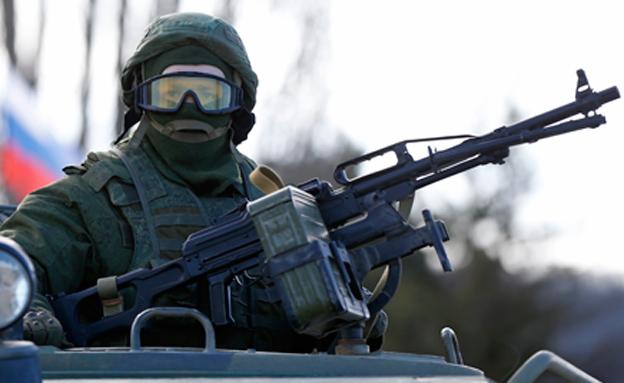 כוחות פרו רוסיים במזרח אוקריאנה (צילום: רויטרס)