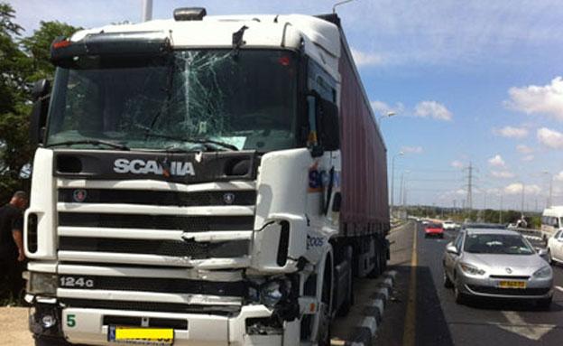 בשתי התאונות מעורבות משאיות (צילום ארכיו (צילום: דוברות אגף התנועה)
