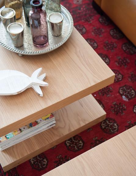 רחלי בן אבי, שולחן גובה (צילום: גלעד רדט)