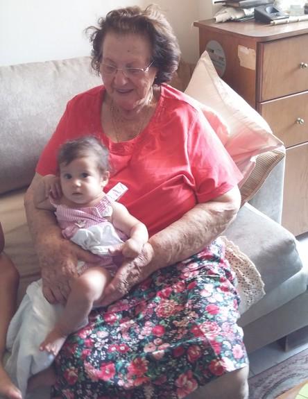 סבתא של לילי