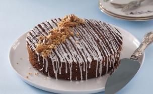 עוגת דבש בחושה עם תבלינים וסילאן (צילום: אפיק גבאי, אוכל טוב)