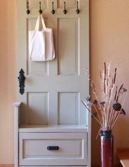 דלתות, דלת שהפכה למתלה