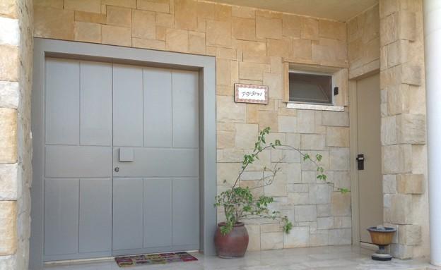 דלתות, צבועות אחר (צילום: מיכל יניב)