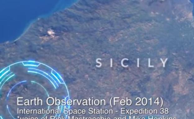 אסטרונאוטים מגלים (צילום: יוטיוב)