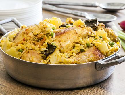עוף, אורז, עדשים ותפוחי אדמה. טעים וקל להכנה