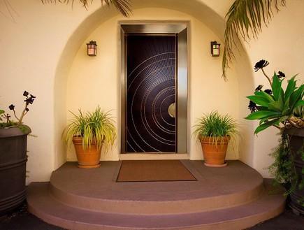 כניסה ראשית לבית