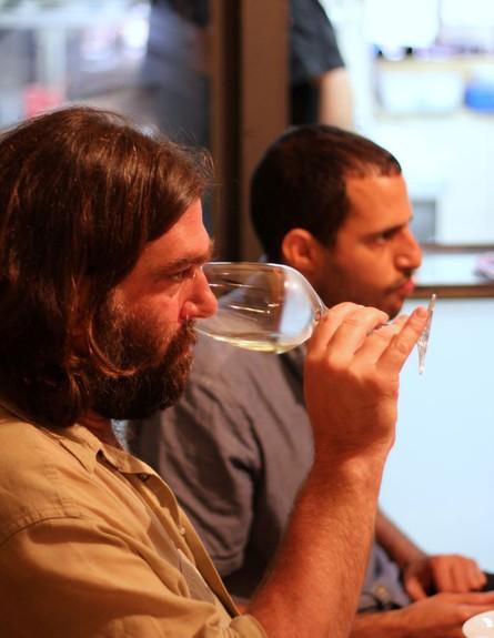 טעימת יין בבסטה מעוז אלונים