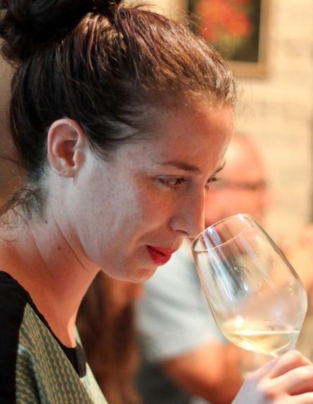 טעימת יין בבסטה יינות מיכל בוטון