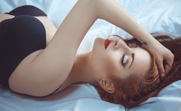 אישה מתענגת (צילום: אימג'בנק / Thinkstock)