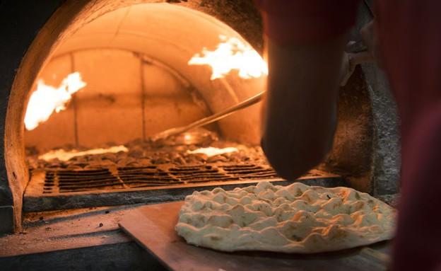 סיור נצרת אל טאבון מאפייה תנור אפייה (צילום: נמרוד סונדרס, אוכל טוב)