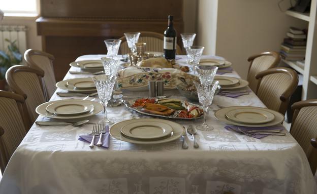 הקידוש שלנו, נעמי רגן, שולחן ערוך (צילום: נמרוד סונדרס)
