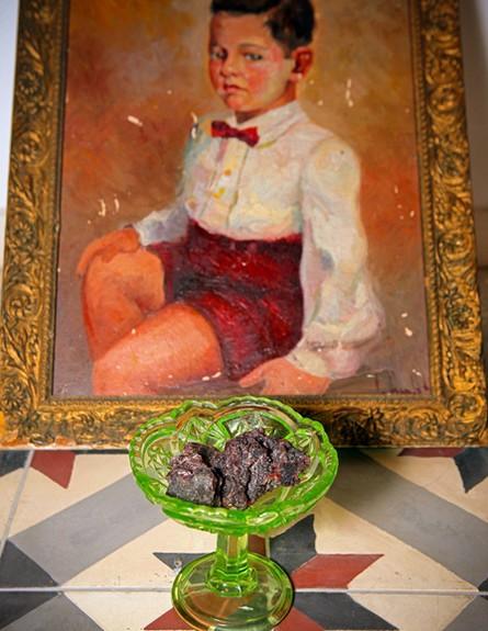 הקידוש שלנו, ננה שרייר, ציור גובה (צילום: אבישי פינקלשטיין)