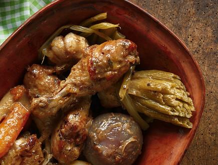 שוקי עוף בירקות שורש (צילום: דן פרץ, עוף טוב)