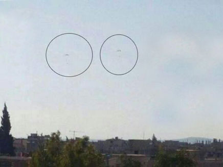 הטייס והנווט נפלטים מהמטוס