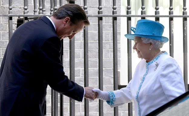 """""""לא אדון עוד בשיחותיי עם הארמון"""", קמרון (צילום: AP)"""