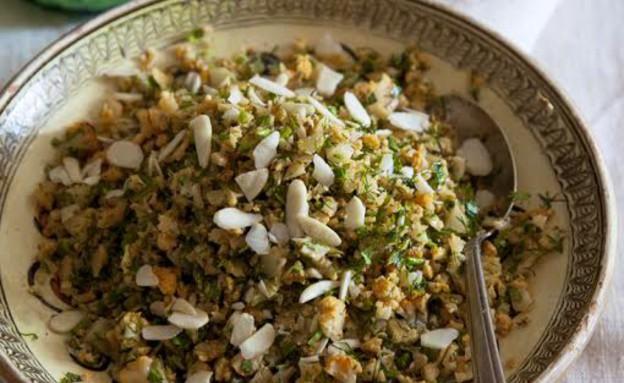 טבולה כרובית עם עשבי תיבול ושקדים (צילום: יוסי סליס, טעים וטוב, ידיעות ספרים)