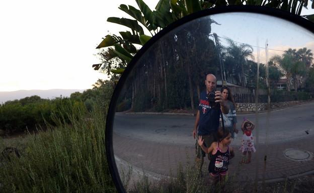 שי גל והמשפחה (צילום: שי גל 2, צילום ביתי)