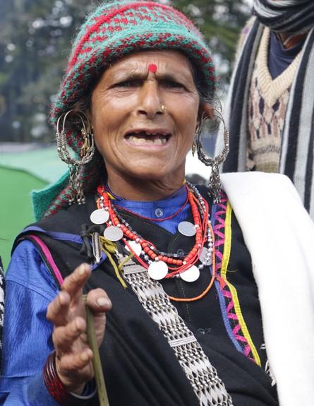מסע טיהור - אישה מסורתית בטראנס רוחני (צילום: יורם פורת)