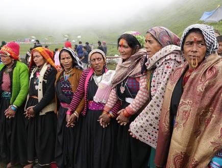מסע טיהור - נשים רוקדות בדבקות בבדני בוגיאל (צילום: יורם פורת)