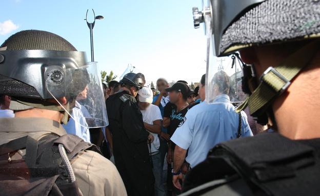 כוחות משטרה בעכו (צילום: פלאש 90)