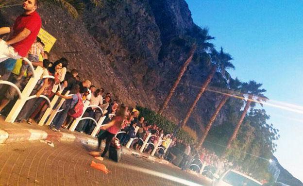 אלפים נתקעו. מעבר טאבה (צילום: לילה שריף)