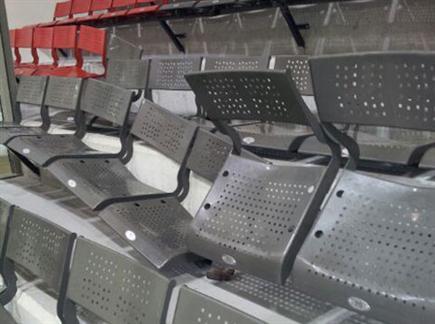הכסאות שנשברו באילת (צילום: ספורט 5)