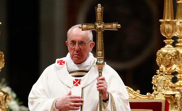 """""""יתרמו לקהילה הנוצרית"""". פרנציסקוס (צילום: רויטרס)"""