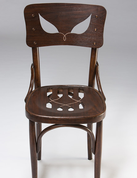 כיסא של יערה דקל