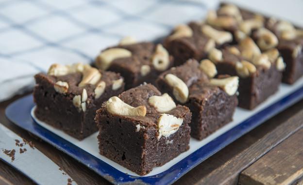 בראוניז שוקולד ואגוזי קשיו (צילום: נמרוד סונדרס, אוכל טוב)