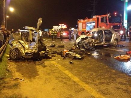 """תאונת הדרכים בטייבה (צילום: דוברות מד""""א)"""