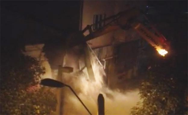 הרס בניין בפלורנטין (צילום: חדשות 2)
