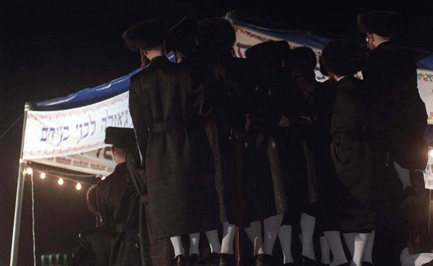 המבקר נגד חצרות הרבנים. ארכיון (צילום: רויטרס)