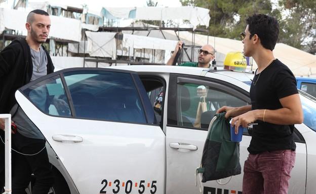 הראל מגיע לאולפן (צילום: אורטל דהן)