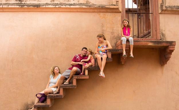 עם המשפחה בהודו - מדרגות (תמונת AVI: נופר יורן)
