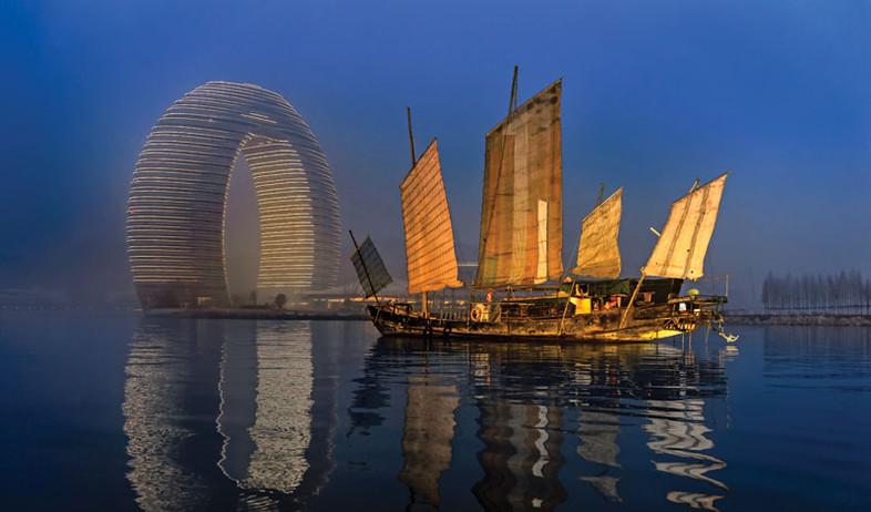 המלון העגול בסין (צילום: HOTEL SHERATON HUZHOU HOT SPRING)