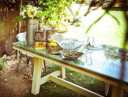שדרוגים, תריס שהפך לשולחן, לפני, עיצוב מאיה גל. צי