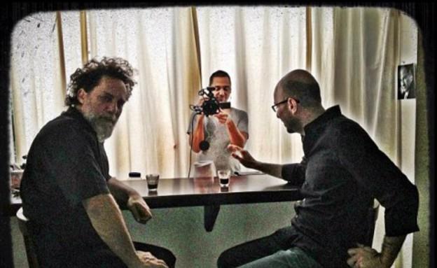 אלדד יניב ורני בלייר בסרטוני השיטה  (צילום: חדשות 2)