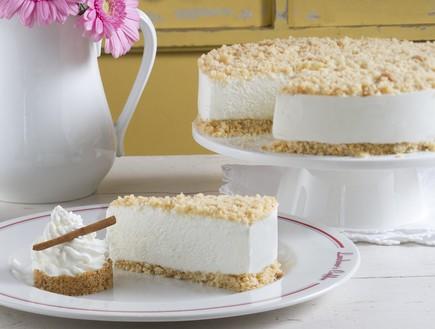 עוגת גבינה פירורים של קונדיטוריות (צילום: אנטולי מיכאלו,  יחסי ציבור )