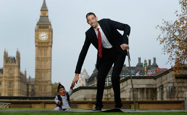 האיש הגבוה בעולם, האיש הנמוך בעולם, גינס (צילום: רויטרס)