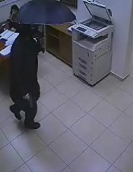רצח בטייבה, מצלמת אבטחה (צילום: חדשות 2)