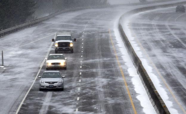 """צפו: נזקי גל הקור בארה""""ב (צילום: AP)"""