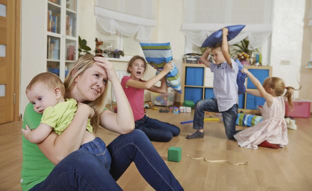 ילדים עושים בלגן בבית (צילום: אימג'בנק / Thinkstock)
