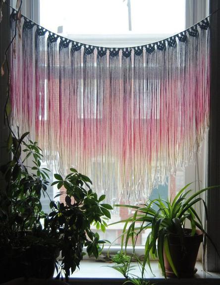סגנון בוהמייני, פרנזים על החלונות -המקרמה חוזר ובגדול בסגנון הבוהמ (צילום: etsy)
