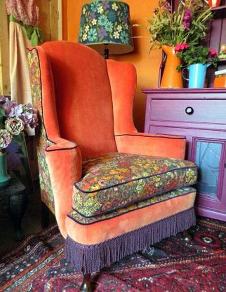 סגנון בוהמייני, כורסה העונה על כל ההגדרות -פרנזים צבעים בוהקים (צילום: sbh-products.blogspot.co.uk)