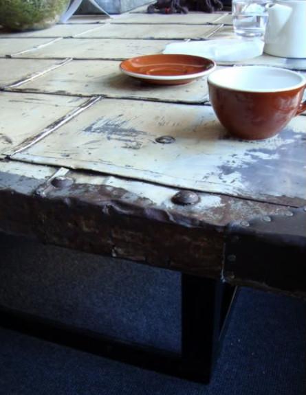 שולחנות קפה עשה זאת בעצמך, שולחן דלת (צילום: bijouliving )